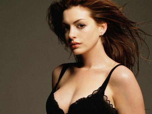 女人自摸乳房有益健康