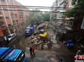北京城管联合多部门拆除违建(组图)
