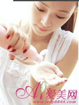 护肤第一步 洗脸的正确方法(组图)