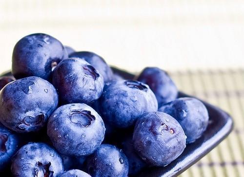 蓝莓的功效与作用 蓝莓营养价值蓝莓怎么吃最