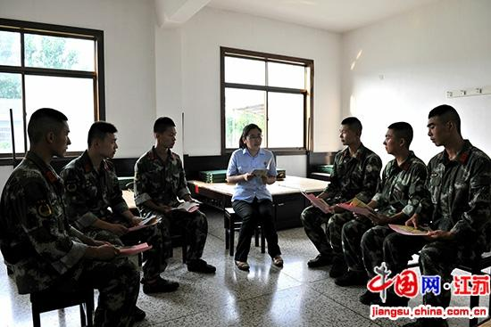 大丰法院法官与士兵交流现场解答法律问题