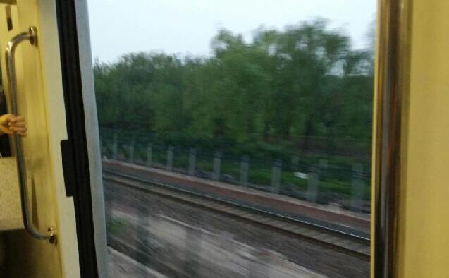 北京地铁列车车门故障关不上 开门运行一站