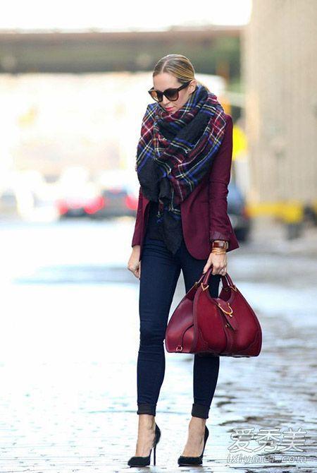 红色包包搭配图片 冬季最吸晴单品