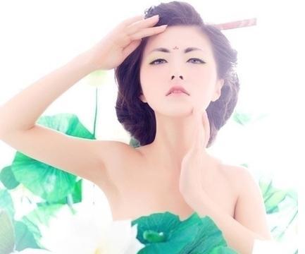 中国式化妆以白为美12岁小学生审美似20岁少三泉小学图片