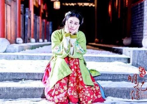 刘诗诗表情萌无处不在允贤卖萌表情持续更未成年的可爱笑容反差包图片