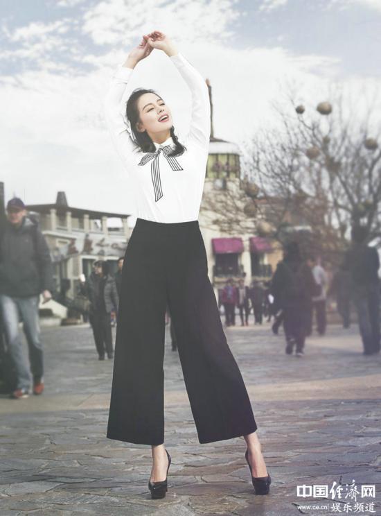 王力可学院风街拍大片曝光 青春甜美气质逼人图片