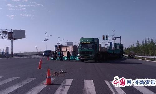 如东路政:主动协助处置交通事故 除隐患保安畅获赞扬