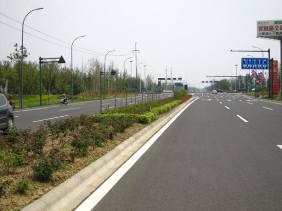 常州武进县道公路 绿色养护技术出新了