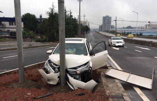 普法一课:开车撞到路边物体应该怎么办 卡车论坛 手机卡车之家论坛
