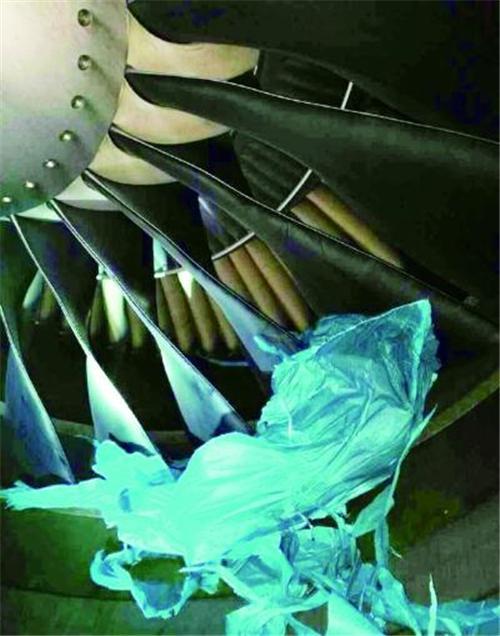 北京:孔明灯卷入飞机发动机致航班延误