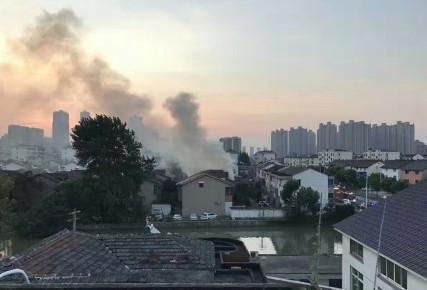 江苏常熟突发火灾 苏州主要领导已赶往事故现