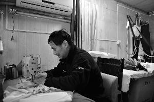 坚守匠心苏州一匠人专注做旗袍半个世纪