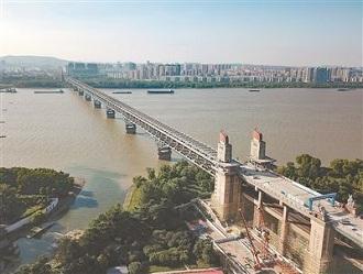 10月起南京长江大桥将开始主桥桥面铺装工程