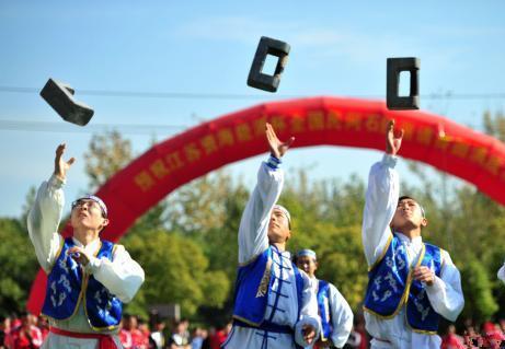 """扬州上演石锁""""争霸赛"""""""