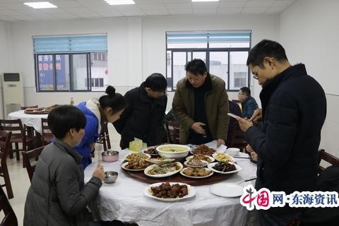 靖江公路站職工廚藝大賽添年趣促和諧