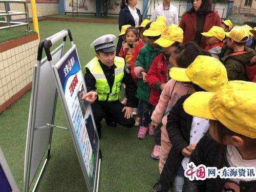 福泉交管局深入辖区校园开展交通安全知识宣讲活动