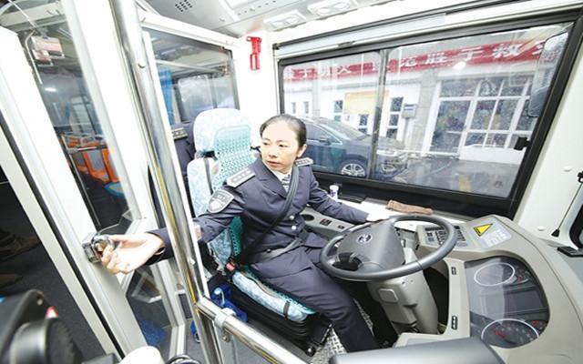 淮安公交增设驾驶室隔离装置保障司机免受干扰