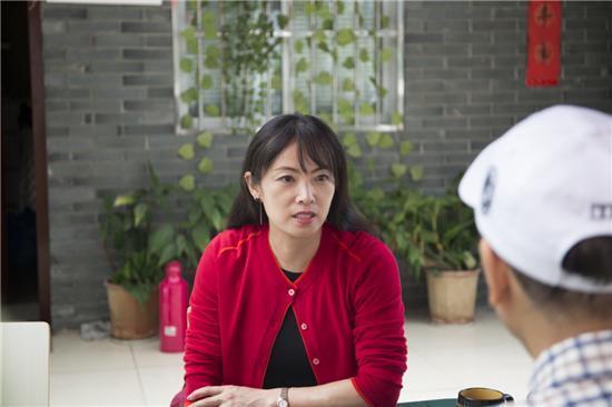 著名作家赵美萍做客南京中瀚影视公司与影视界大腕共同探讨电影《谁的奋斗不带伤》前期准备工作