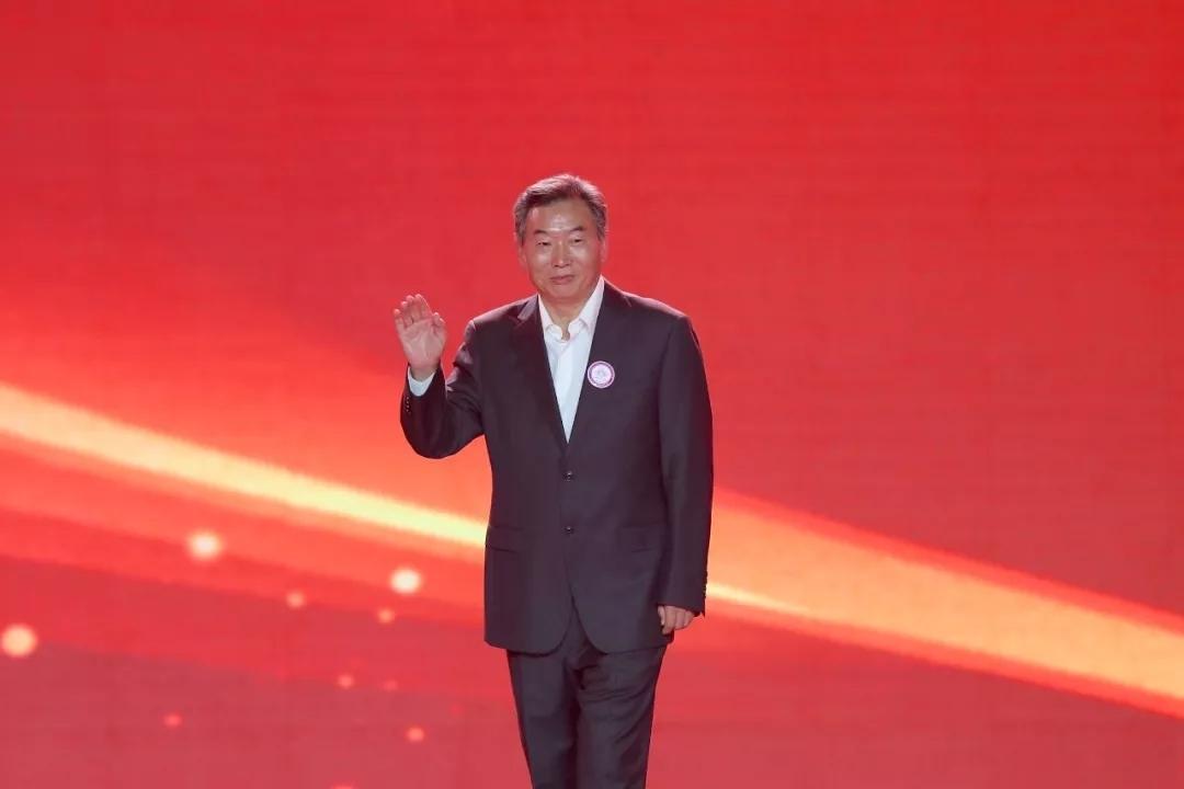 山东大学教授刘培平担任全球城市形象大赛世界杯总决赛评委