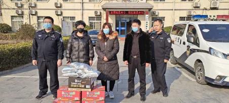 河北衡水冀州:爱心人士贺冬暖捐赠物资,助力疫情防控阻击战