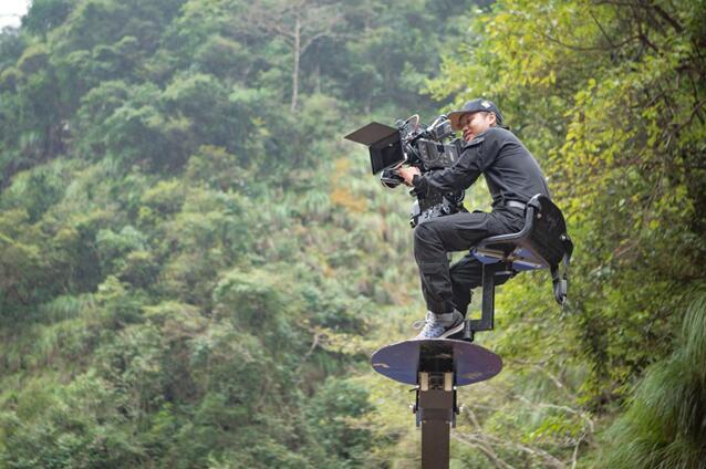 中国首部少年挑战极限摩托车运动励志电影《奇迹小子》