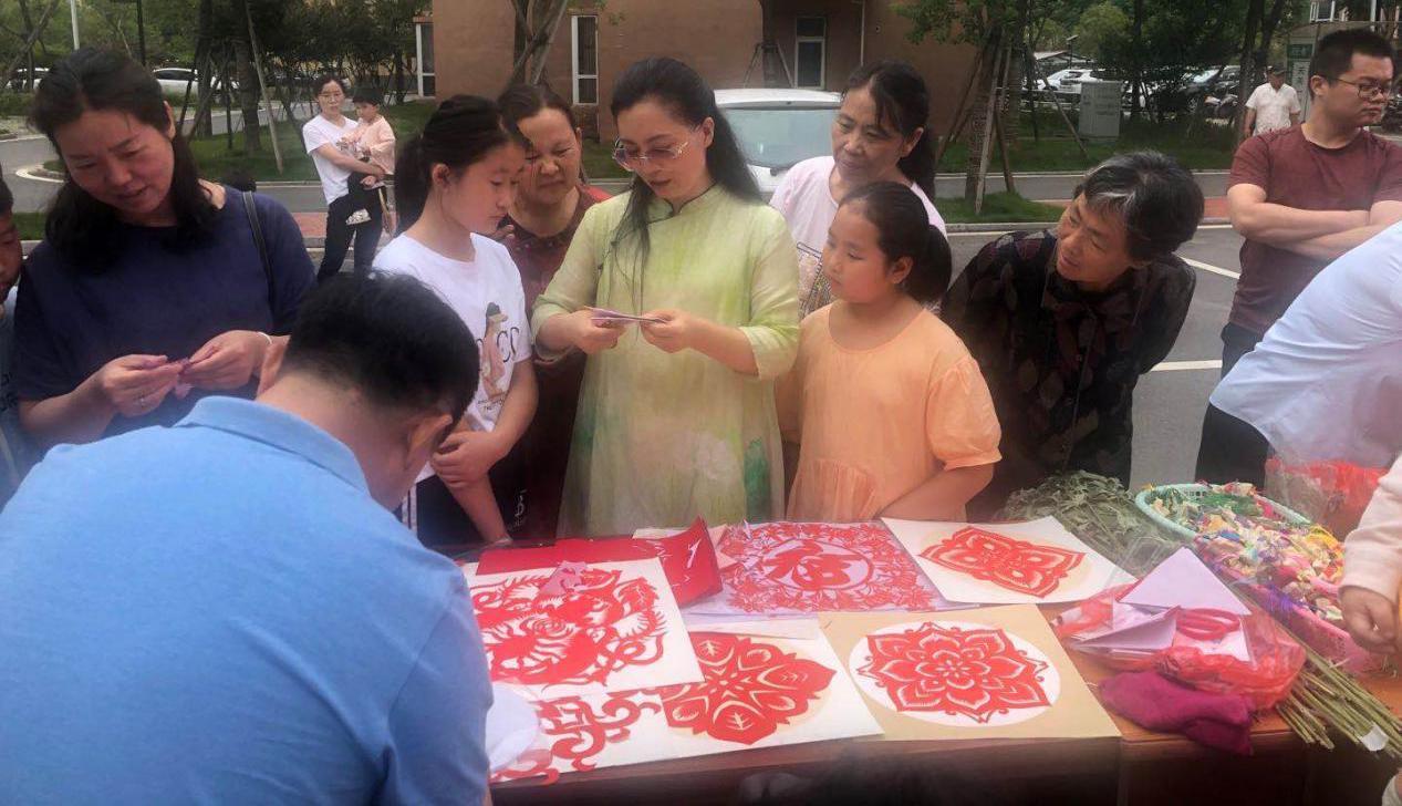 安徽阜南县:开展端午节慰问活动
