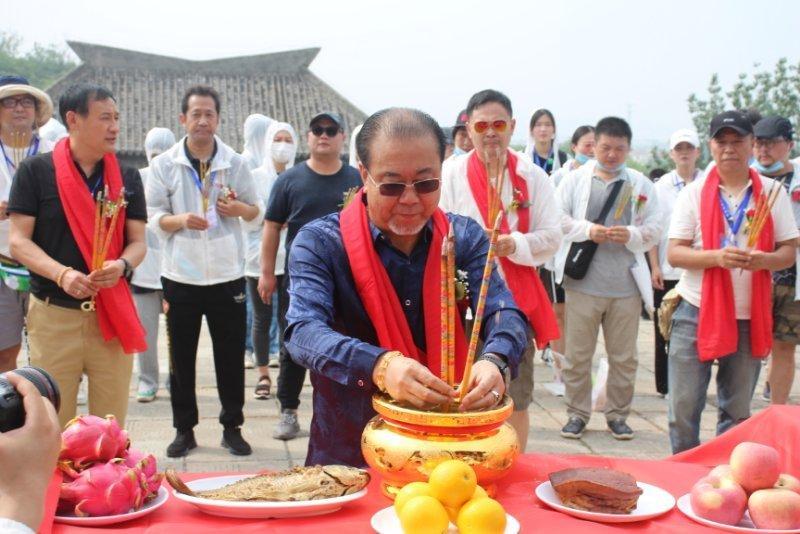 《中国传统故事之成语故事》摄制组在焦作影视城开机大吉!