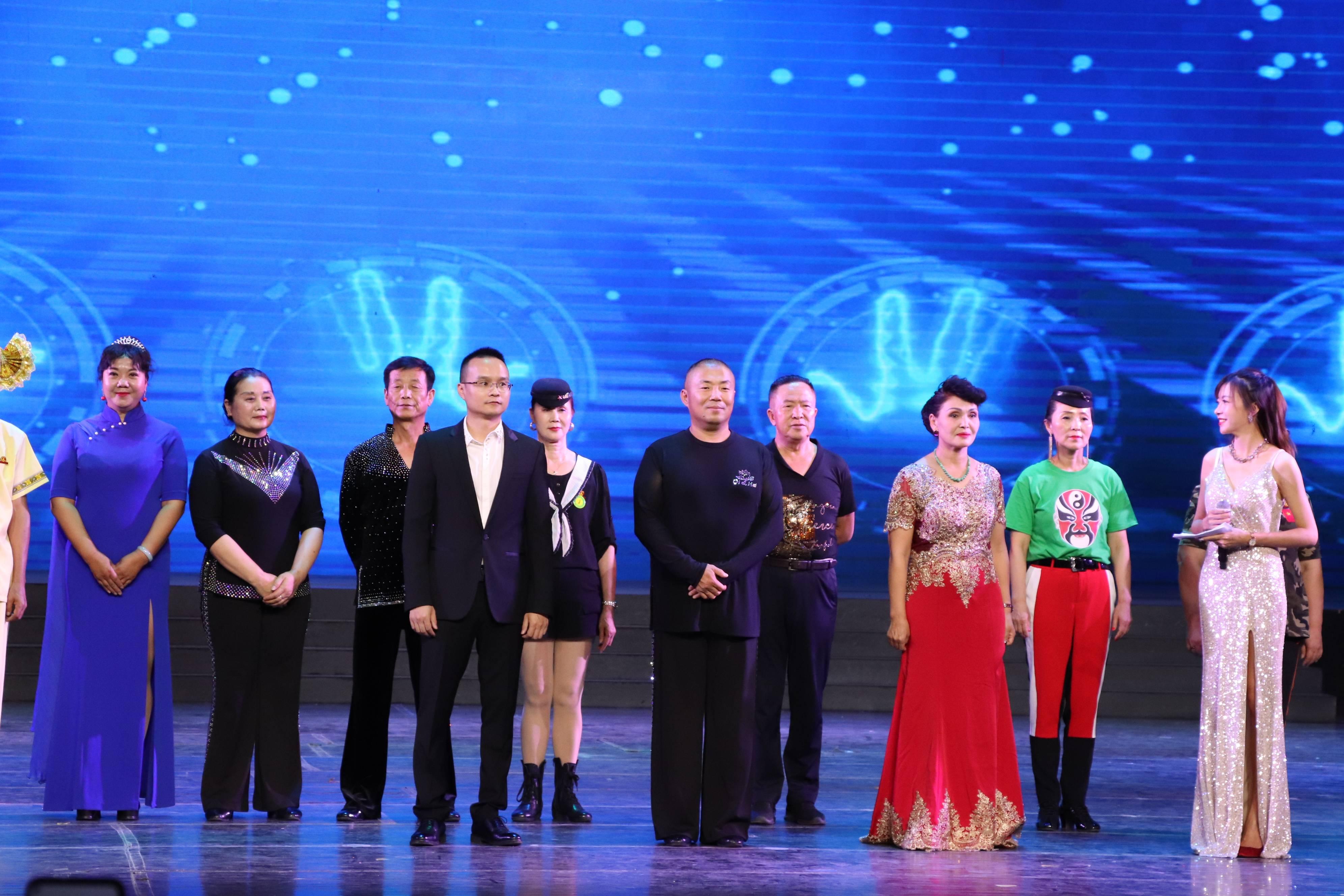 庆祝建党100周年水兵舞文艺汇演在云南西双版纳举行